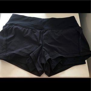 LULU LEMON- speed up shorts!
